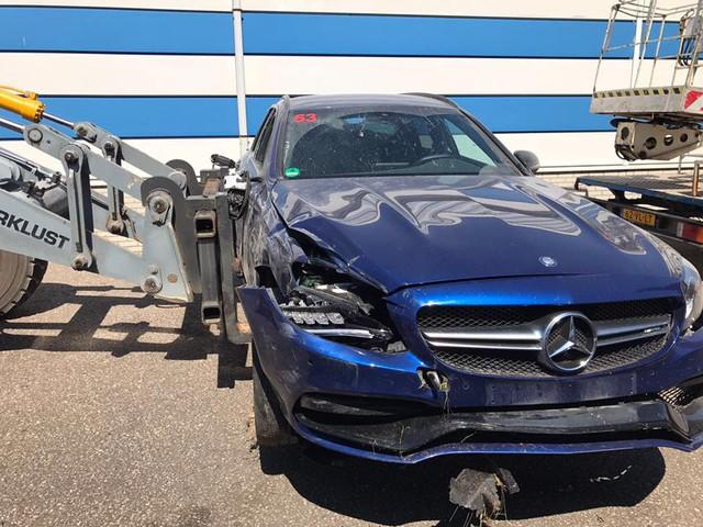 Mercedes-AMG C63 Estate bay lên không trung trong tai nạn kinh hoàng - Ảnh 7.