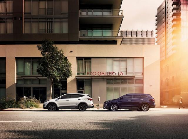 Hyundai giới thiệu Santa Fe 2018 với những thay đổi nhẹ nhàng - Ảnh 1.