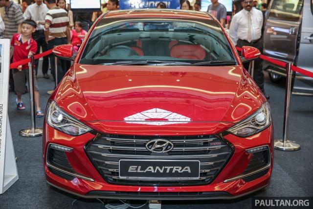Hyundai Elantra 2017 có giá khởi điểm 637 triệu Đồng tại Malaysia - Ảnh 2.
