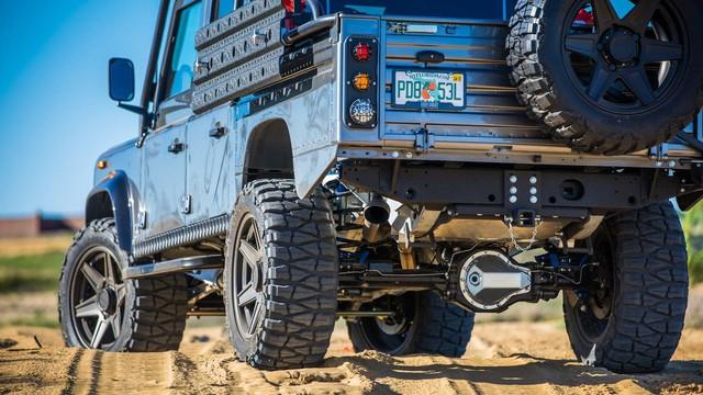 Chiếc Land Rover Defender trong mơ của những người đam mê off-road - Ảnh 7.