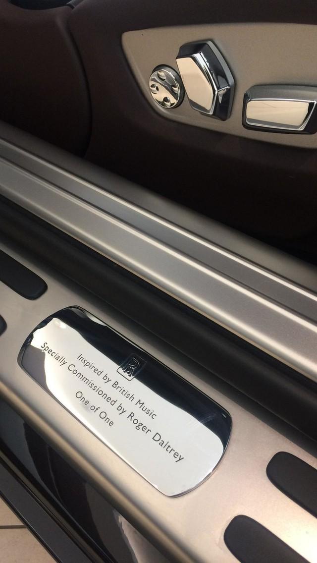 Vén màn chiếc Rolls-Royce Wraith độc nhất tri ân ban nhạc rock huyền thoại The Who - Ảnh 5.