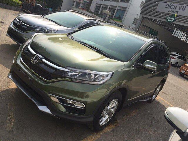 Xuất hiện Honda CR-V sơn màu xanh lục lạ mắt tại Hà Nội - Ảnh 2.