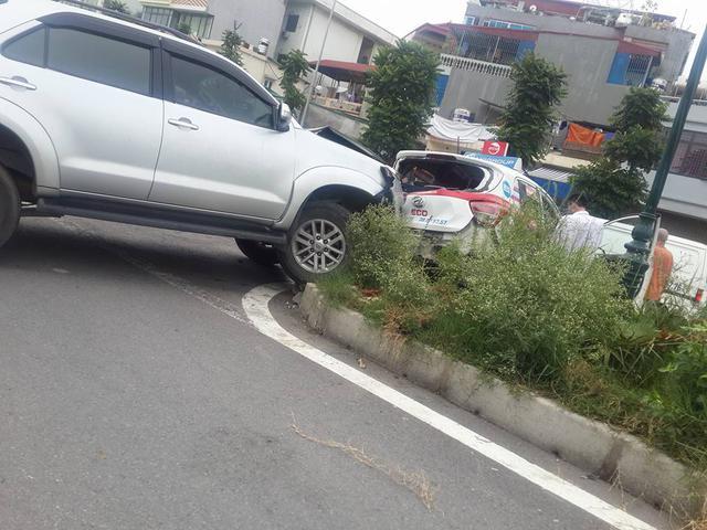Hà Nội: Xe điên Toyota Fortuner gây tai nạn liên hoàn khiến 3 người bị thương - Ảnh 4.