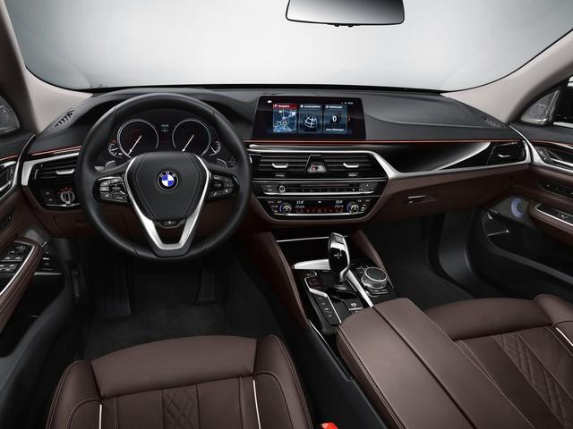 BMW 6-Series Gran Turismo 2018 - Xe sang công nghệ cao và tiện dụng - Ảnh 7.