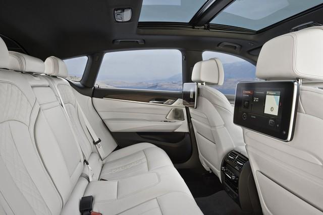 BMW 6-Series Gran Turismo 2018 - Xe sang công nghệ cao và tiện dụng - Ảnh 9.