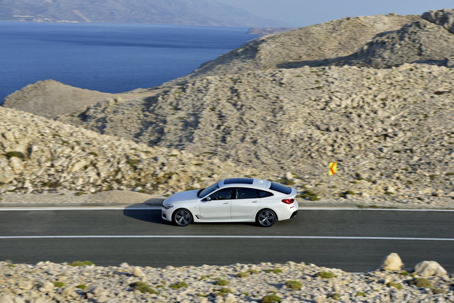 BMW 6-Series Gran Turismo 2018 - Xe sang công nghệ cao và tiện dụng - Ảnh 13.