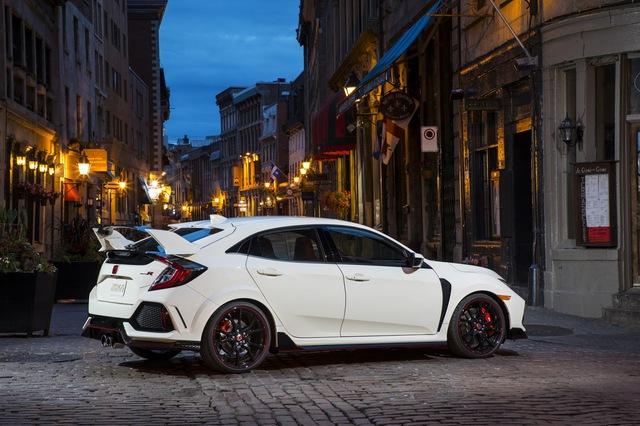Honda Civic Type R 2017 đã có giá bán chính thức - Ảnh 3.
