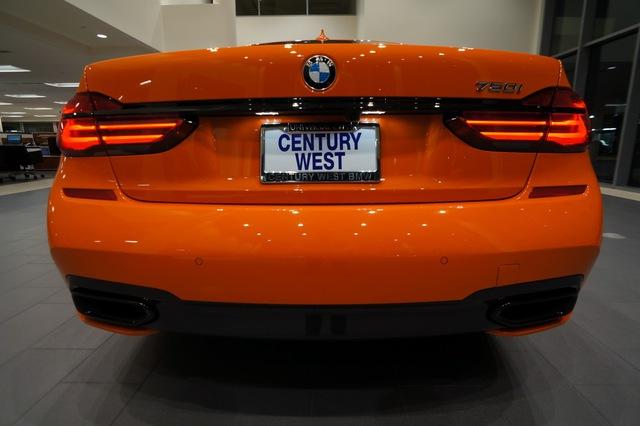 Cận cảnh chiếc BMW 750i 2017 với trang bị nhiều như mây - Ảnh 2.