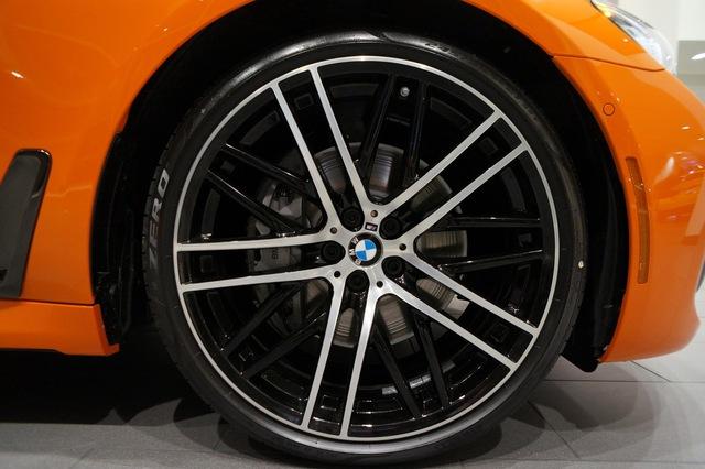 Cận cảnh chiếc BMW 750i 2017 với trang bị nhiều như mây - Ảnh 13.