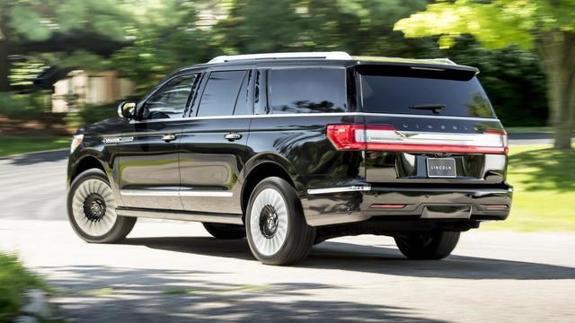 Chuyên cơ mặt đất Lincoln Navigator 2018 thêm đồ sộ với phiên bản kéo dài - Ảnh 3.