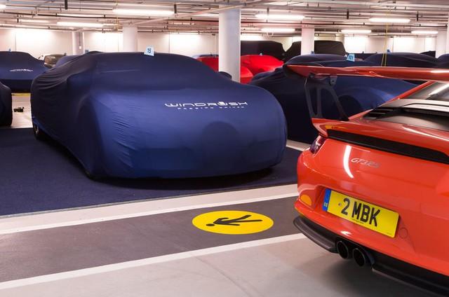 Bên trong hầm đỗ toàn siêu xe, nơi chủ nhân phải trả 13,7 triệu Đồng/tháng - Ảnh 3.