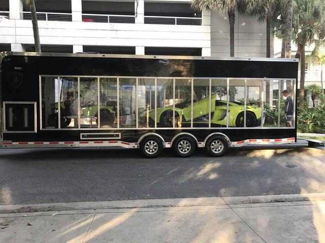 Cặp đôi Lamborghini Aventador SV Roadster và xuồng cao tốc tông xuyệt tông trị giá 50 tỷ Đồng - Ảnh 4.
