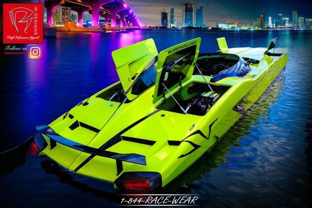 Cặp đôi Lamborghini Aventador SV Roadster và xuồng cao tốc tông xuyệt tông trị giá 50 tỷ Đồng - Ảnh 12.