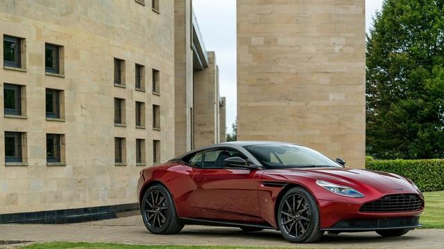 Làm quen với chiếc Aston Martin DB11 có một không hai trên thế giới - Ảnh 1.