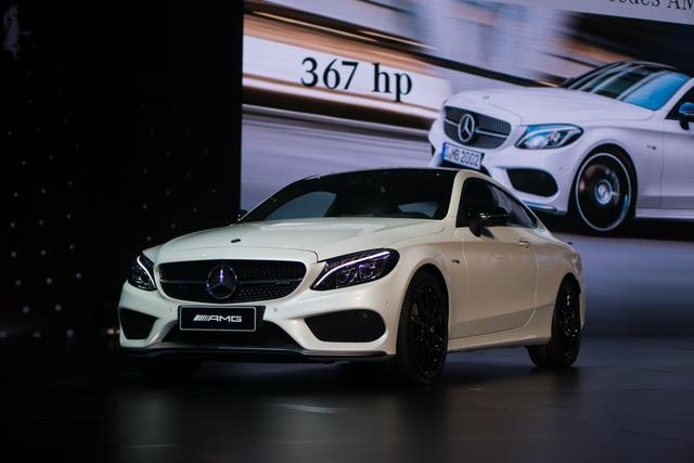 Triển lãm Mercedes-Benz Fascination 2017 chính thức khai mạc tại Hà Nội với dàn xe hơn 150 tỷ Đồng - Ảnh 3.