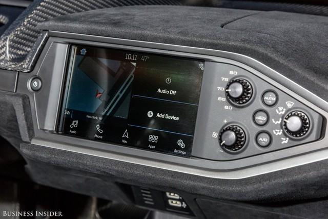 Khám phá những tính năng thú vị nhất của siêu xe kén khách Ford GT 2017  - Ảnh 15.