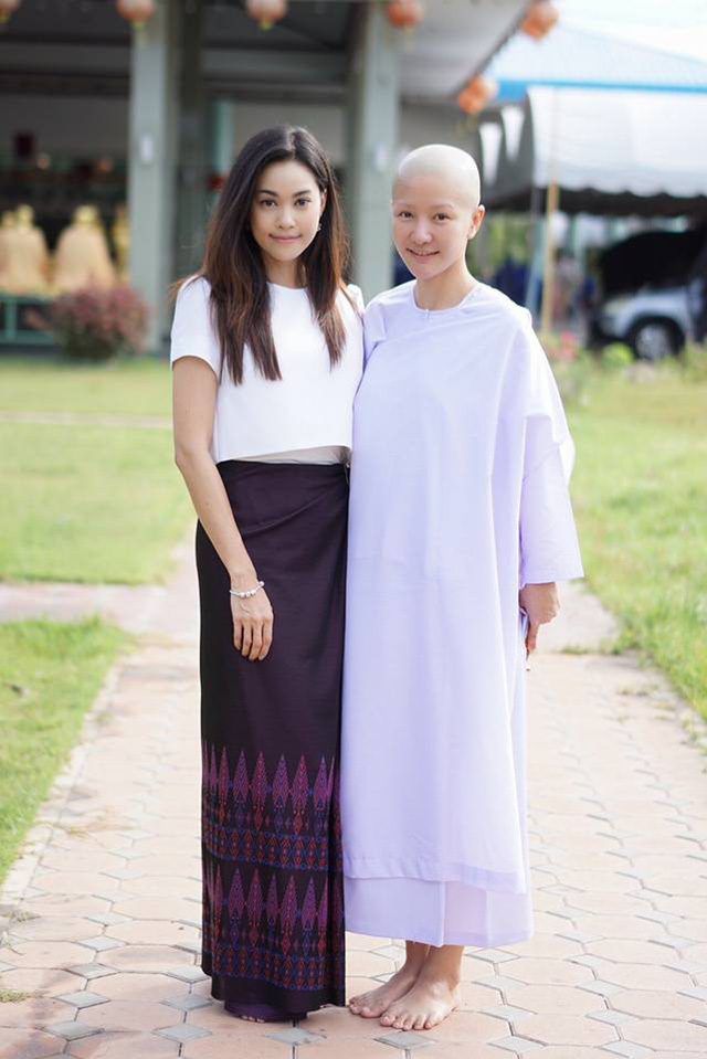 Người mẫu ô tô đình đám bậc nhất Thái Lan bất ngờ xuống tóc đi tu - Ảnh 7.