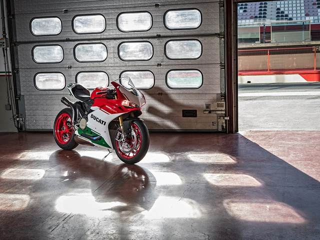 Ducati trình làng phiên bản cuối cùng của dòng 1299 Panigale với giá hơn 1 tỷ Đồng - Ảnh 4.