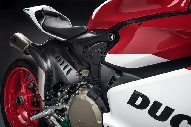 Ducati trình làng phiên bản cuối cùng của dòng 1299 Panigale với giá hơn 1 tỷ Đồng - Ảnh 10.