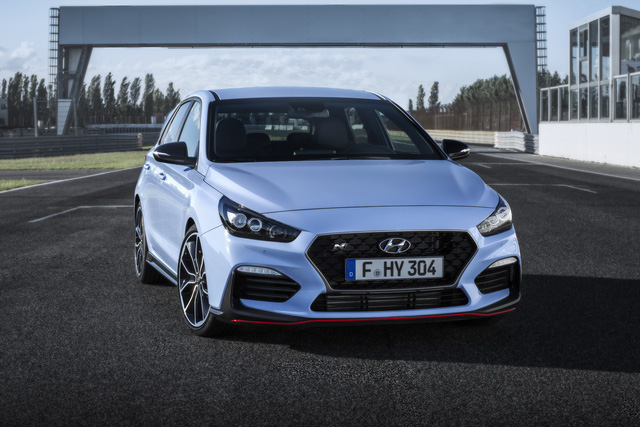 Phiên bản thể thao của xe gia đình Hyundai i30 chính thức trình làng - Ảnh 8.