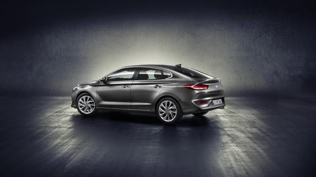 Hyundai i30 Fastback 2018 - Xe coupe 5 cửa cỡ nhỏ hoàn toàn mới - Ảnh 5.