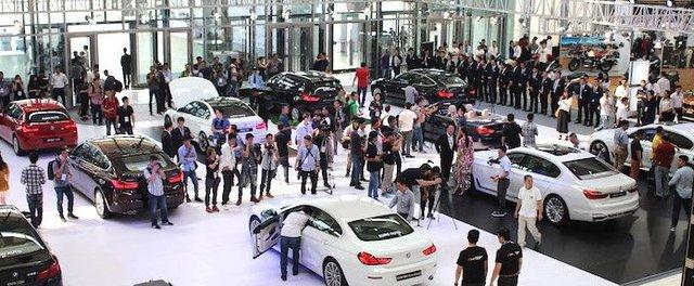 Lexus giảm 200 triệu, Volkswagen giảm 260 triệu: Ô tô sang vẫn gặp khó - Ảnh 2.