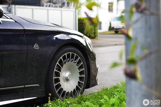 Chiêm ngưỡng vẻ đẹp của xe siêu sang Mercedes-Maybach S650 Cabriolet trên đường phố - Ảnh 4.