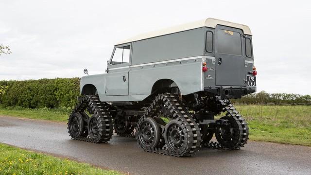 Làm quen với chiếc Land Rover dùng bánh xích như xe tăng, có thể đi trên mọi địa hình - Ảnh 3.