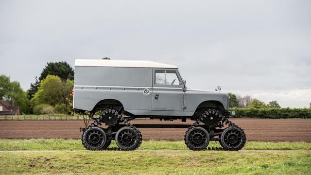 Làm quen với chiếc Land Rover dùng bánh xích như xe tăng, có thể đi trên mọi địa hình - Ảnh 4.