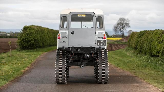 Làm quen với chiếc Land Rover dùng bánh xích như xe tăng, có thể đi trên mọi địa hình - Ảnh 7.