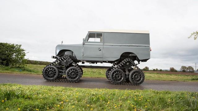 Làm quen với chiếc Land Rover dùng bánh xích như xe tăng, có thể đi trên mọi địa hình - Ảnh 8.