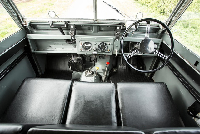 Làm quen với chiếc Land Rover dùng bánh xích như xe tăng, có thể đi trên mọi địa hình - Ảnh 9.
