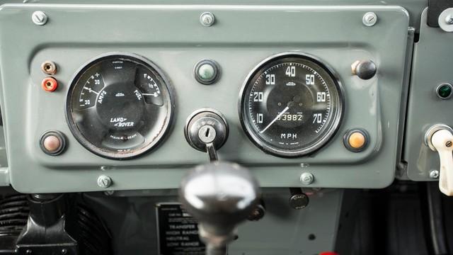 Làm quen với chiếc Land Rover dùng bánh xích như xe tăng, có thể đi trên mọi địa hình - Ảnh 10.