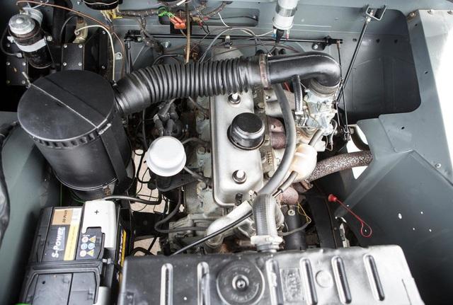 Làm quen với chiếc Land Rover dùng bánh xích như xe tăng, có thể đi trên mọi địa hình - Ảnh 13.