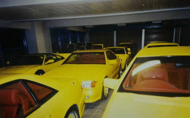"""Chiêm ngưỡng những hình ảnh hiếm về bộ sưu tập xe """"khủng"""" của Quốc vương Brunei - Ảnh 4."""