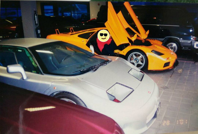 """Chiêm ngưỡng những hình ảnh hiếm về bộ sưu tập xe """"khủng"""" của Quốc vương Brunei - Ảnh 12."""