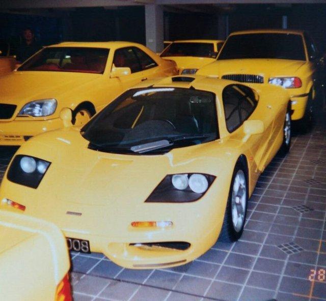 """Chiêm ngưỡng những hình ảnh hiếm về bộ sưu tập xe """"khủng"""" của Quốc vương Brunei - Ảnh 18."""