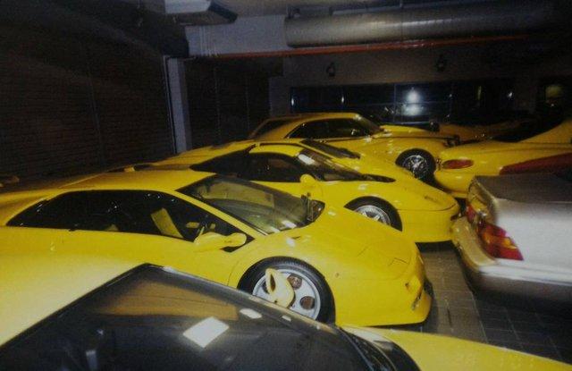 """Chiêm ngưỡng những hình ảnh hiếm về bộ sưu tập xe """"khủng"""" của Quốc vương Brunei - Ảnh 22."""