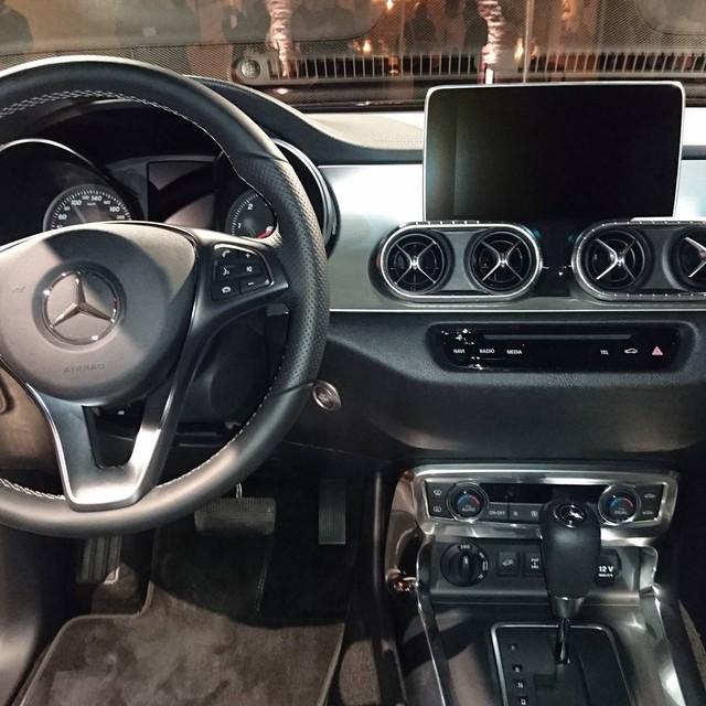 Cận cảnh vẻ đẹp bằng xương, bằng thịt của xe bán tải hạng sang Mercedes-Benz X-Class 2018 - Ảnh 10.