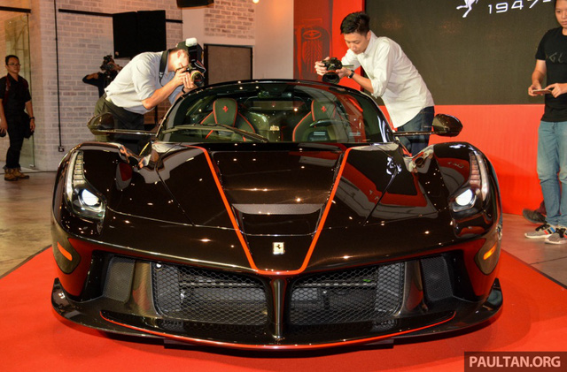 Siêu phẩm Ferrari LaFerrari Aperta ra mắt tại Malaysia, nhà giàu Việt phát thèm - Ảnh 3.