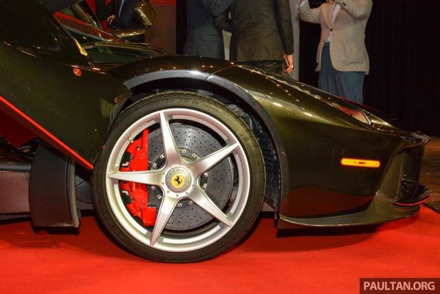 Siêu phẩm Ferrari LaFerrari Aperta ra mắt tại Malaysia, nhà giàu Việt phát thèm - Ảnh 4.