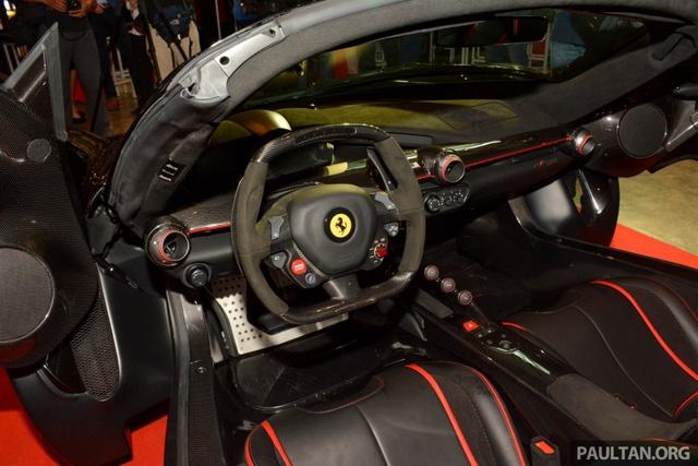 Siêu phẩm Ferrari LaFerrari Aperta ra mắt tại Malaysia, nhà giàu Việt phát thèm - Ảnh 13.