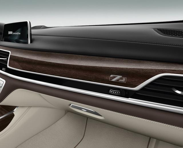 BMW giới thiệu phiên bản kỷ niệm 40 năm ra đời dòng xe sang 7-Series - Ảnh 10.
