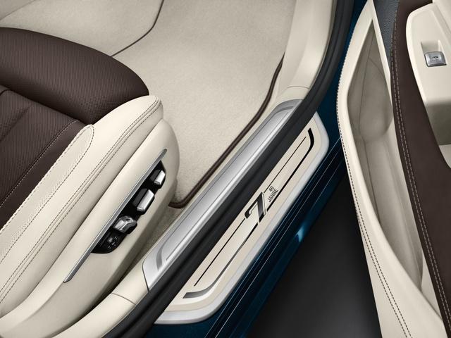 BMW giới thiệu phiên bản kỷ niệm 40 năm ra đời dòng xe sang 7-Series - Ảnh 5.