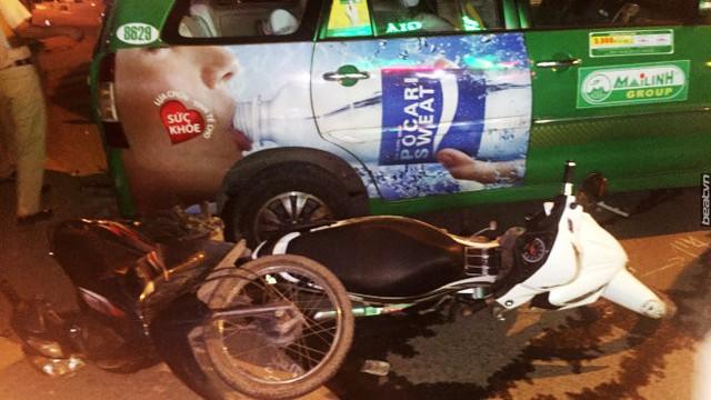 Video khoảnh khắc Hyundai Santa Fe gây tai nạn liên hoàn cho 12 xe tại Sài Gòn - Ảnh 5.