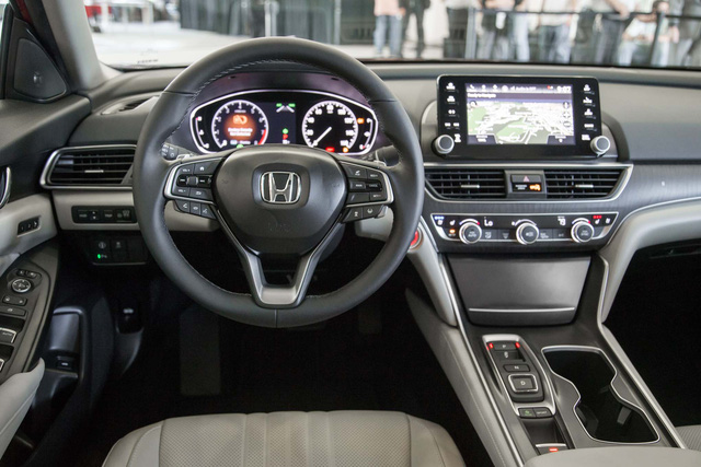 Ngắm vẻ đẹp của Honda Accord 2018 qua những hình ảnh bằng xương, bằng thịt - Ảnh 10.