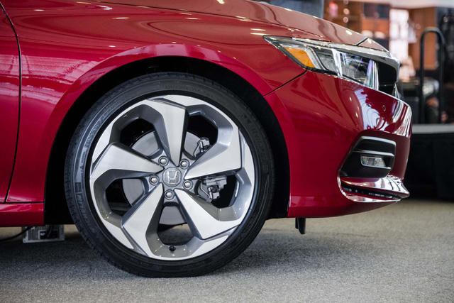 Ngắm vẻ đẹp của Honda Accord 2018 qua những hình ảnh bằng xương, bằng thịt - Ảnh 16.