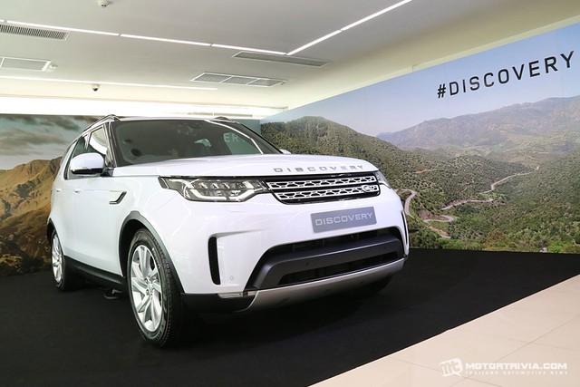 SUV hạng sang Land Rover Discovery 2018 cập bến Đông Nam Á, giá từ 4,4 tỷ Đồng - Ảnh 1.