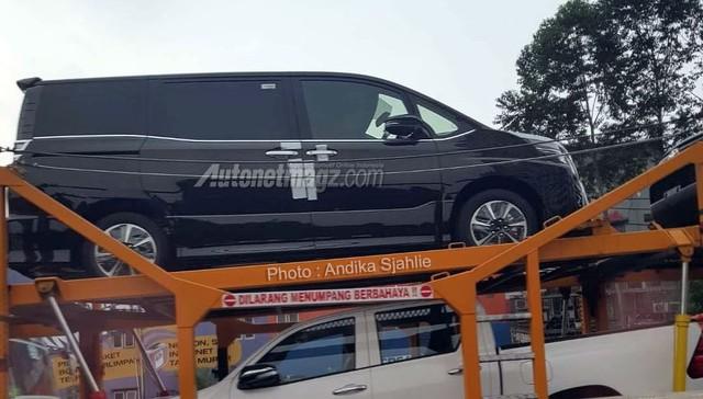 Mẫu MPV mới sắp ra mắt Đông Nam Á của Toyota bị bắt gặp trên đường phố - Ảnh 2.