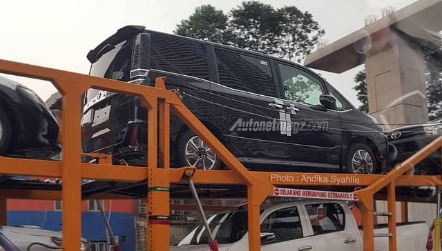 Mẫu MPV mới sắp ra mắt Đông Nam Á của Toyota bị bắt gặp trên đường phố - Ảnh 3.